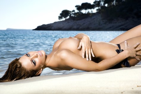 Holly Peers Ibiza Mai 2010 03