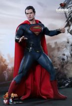 Man of Steel Hot Toys 02