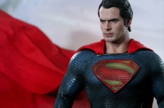 Man of Steel Hot Toys 07