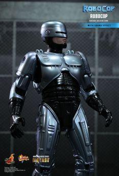 Hot Toys Robocop 12