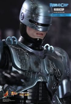 Hot Toys Robocop 14