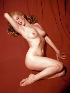 1953_12_Marilyn_Monroe_Playboy_Centerfold