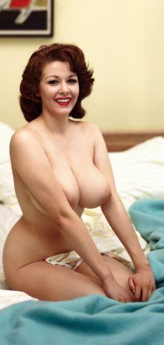 1959_10_Elaine_Reynolds_Playboy_Centerfold