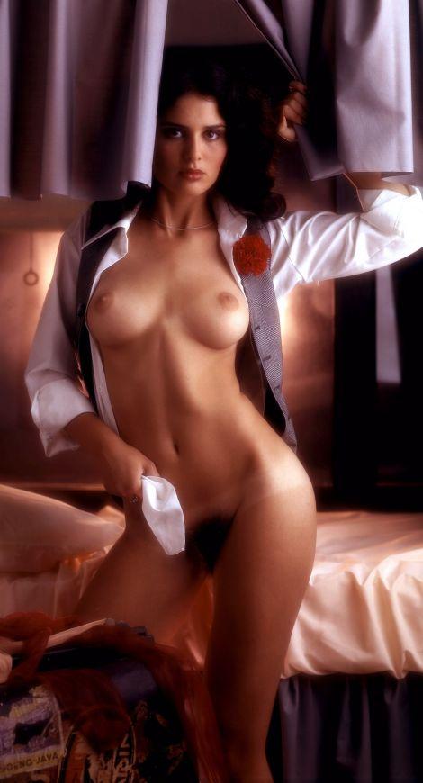 1976_12_Karen_Hafter_Playboy_Centerfold