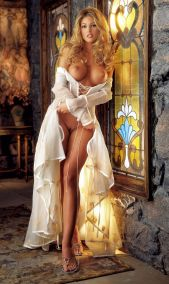 2001_05_Crista_Nicole_Playboy_Centerfold