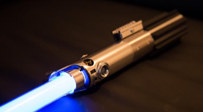 [Achat] Star Wars – The Black Series – Sabre laser Force FX Luke Skywalker Hasbro