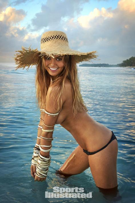 chrissy-teigen-2016-photo-sports-illustrated-x159762_tk2_00137-rawwmfinal1920