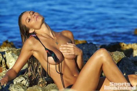 samantha-hoopes-2016-photo-sports-illustrated-x159794_tk2_16991-rawwmfinal1920