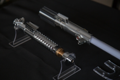Luke Lightsaber Replique (16)