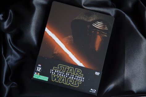 STAR WARS Le Réveil de la Force Steelbook (1)
